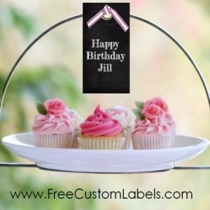 chalkboard tag to decorate cupcakes at a birthday party